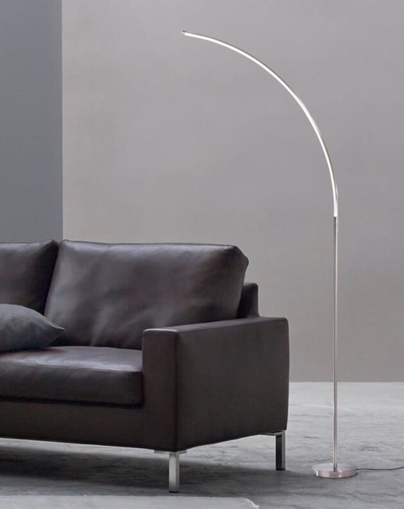 Sentry Chairside Arc Lamp Lifestyle 02